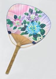 a round fan